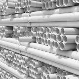 Tubo plástico - tubo y guarniciones del PVC para el drenaje