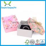 Горячим коробка ювелирных изделий бумаги Kraft штемпеля напечатанная логосом упаковывая для подарка