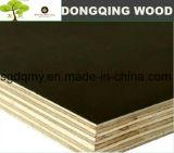 madera contrachapada Shuttering de 12m m con la base Brown del álamo filmado