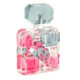 長続きがする品質およびチャーミングな臭いを持つ女性のための香水