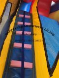 Giocattoli gonfiabili di colore blu e giallo grandi