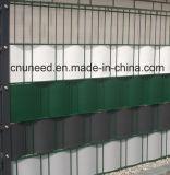 100%UV cerca el 19cm*2.53m dura del jardín del PVC de la resistencia Ral7016 1.3m m