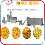 La pallina fritta scheggia gli spuntini che elaborano la macchina di produzione
