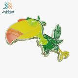 Divisa animal de encargo del Pin de seguridad del loro del esmalte de los colores de los nuevos productos cinco