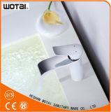 Escolhir o Faucet da bacia do banheiro do Faucet de bacia de lavagem do punho