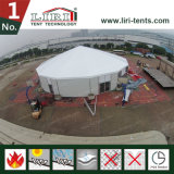 Grosses Zirkus-Zelt mit speziellem Entwurf