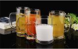 Taza de cristal sin plomo del jugo de la taza de cerveza del nuevo diseño con la maneta