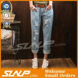 Pantaloni del denim della mutanda dei jeans strappati estate per le donne