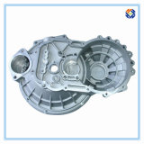 Алюминиевая заливка формы для стартера двигателя едет на автомобиле двигатель