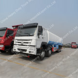 Sinotruk HOWO 40litres 8X4 Rhdオイルの輸送のタンク車の燃料配達手段