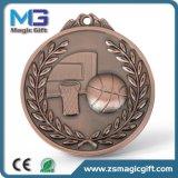 La medaglia all'ingrosso professionale di sport di pallacanestro di produzione 3D con rame antico ha rifinito