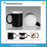 Tasse changeante de couleur de café de qualité avec des cuvettes de photo d'impression