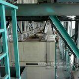كبيرة هوائيّة [120تبد] ذرة مطحنة آلة مع [كمبتيتيف بريس] في كينيا