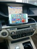 車のエア・ベントの携帯電話のホールダー