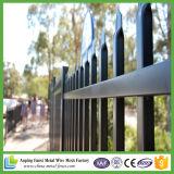 Poudre enduisant la frontière de sécurité tubulaire de fer travaillé de longueur de 2.4m de la qualité