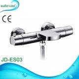 European Market Brass Ce robinet de douche monté sur le mur
