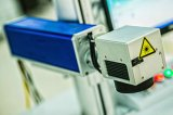 Máquina en línea de la marca del laser de la fibra para el tubo del PVC y de PPR