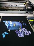 Impresora blanco y negro de la camiseta de la materia textil de la ropa del DTG