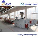 Producción plástica del perfil de la tira del lacre del PVC que saca haciendo la maquinaria
