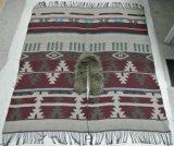 가짜 모피 고리와 프린지를 가진 아즈텍인 줄무늬 총괄적인 포장