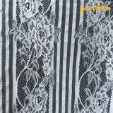 Tessuto del merletto del ricamo del cotone con la maglia