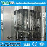 水のための液体の詰物およびシーリング機械