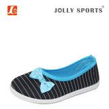 Ботинки детей новым вулканизированные способом вскользь для девушок малышей