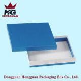 La boîte-cadeau de bijou de papier bleu