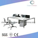 Sitio de trabajo moderno de los muebles de oficinas del escritorio del ordenador