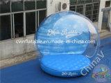 팽창식 투명한 거품 돔 천막을 광고하는 상업적인 전람