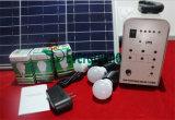 Zonnestelsel met inbegrip van het Laden van de Telefoon van het Zonnepaneel en van de Lamp Mobiel Zonnestelsel