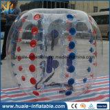 Il divertimento variopinto mette in mostra la sfera trasparente di Sumo del gioco, sfera Bumper gonfiabile