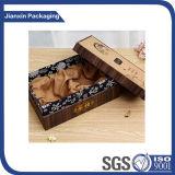صنع وفقا لطلب الزّبون صاحب مصنع هبة ورقيّة يعبّئ صندوق