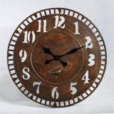 現代正方形の木の柱時計