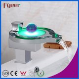 Fyeer Hot Sale Salle de bain LED Waterfall Basin Faucet