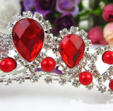 Coroa vermelha da ocasião do casamento do baile de finalistas do suporte da liga do diamante