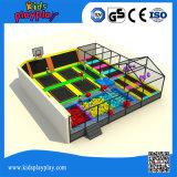 Cama elástica grande cubierta de múltiples funciones con pelota de baloncesto piscina de espuma Pit