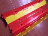 Protector amarillo del cable al aire libre de los canales del rojo PVC/PE 2