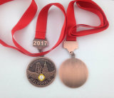 Silbernes Gold überzogenes Abzeichen, kundenspezifische Konkurrenz-Medaille (GZHY-KA-007)