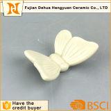 Distintivo di ceramica, farfalle di ceramica dipinte a mano decorative variopinte