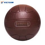 Marrón de cuero antiguo retro del balón de fútbol