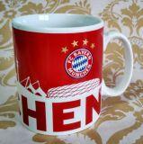 Tazza di caffè a buon mercato di ceramica di colore rosa caldo di disegno dell'OEM