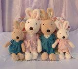 Lovely Rabbit Plush Toy com vestido