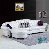 現代ヨーロッパ式の居間の革コーナーのソファー