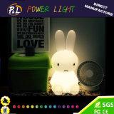 Lâmpada recarregável da noite do coelho do diodo emissor de luz da cor