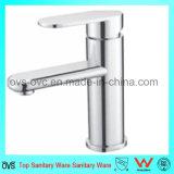 Taraud d'eau simple passé au bichromate de potasse par laiton sanitaire de traitement de salle de bains d'articles