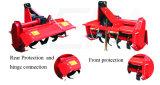 Kompakter Drehpflüger hinter Kubota 3 Punkt-Verbindung-Traktor