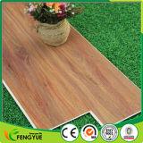 Suelo adhesivo de interior comercial Textured de madera del PVC del vinilo de Lvt del tecleo