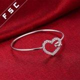 ガールフレンドのための銀によってめっきされる流行の恋人の袖口の腕輪のブレスレット