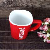 A fábrica personalizou a caneca vermelha impressa logotipo da porcelana do tipo